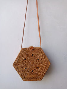 Rattan hexagon Bali bag handwoven Balinese Indonesia crochet rattan and straw tote pattern winter bag made from natural ata reed