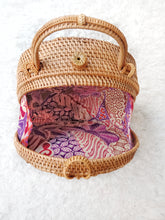 See Casafrasta Idea on How to style Rattan Round Straw Purse Rattan Bag & Natural Wicker Bags, Trending for all other weather leather strap or pompom.