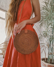 Flores Round City Beach Rattan Bag