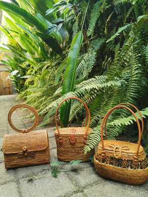 Rattan handbag crossbody purse clutch with handle wholesale from Bali Beach Boho Summer Vibes Essential Fashion Tote Rattan Shoulder Purse For Vacations