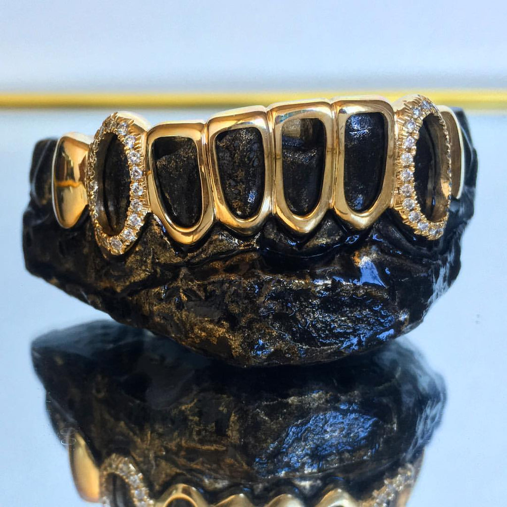 8 Teeth 10k Gold Open Face Bottom Grillz w/ CZ