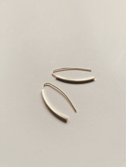 DILARA HOOK EARRINGS