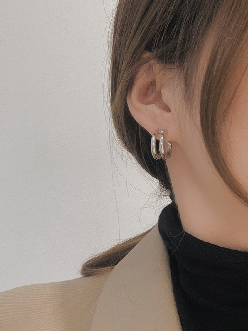 HERA DOUBLE HOOP EARRINGS