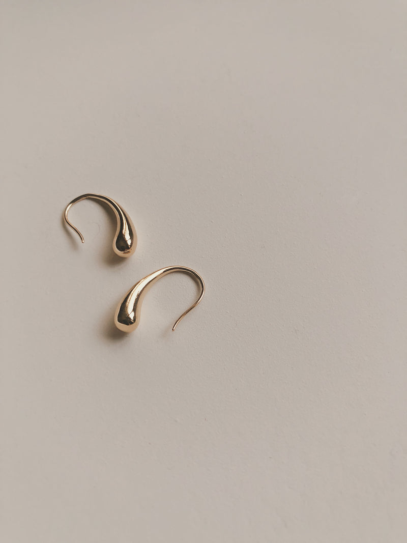LANA PETITE HOOK EARRINGS