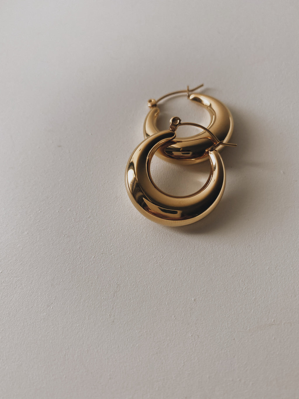 THEA BOLD HOOP EARRINGS