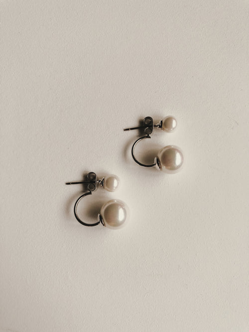 PEARL ARC EARRINGS