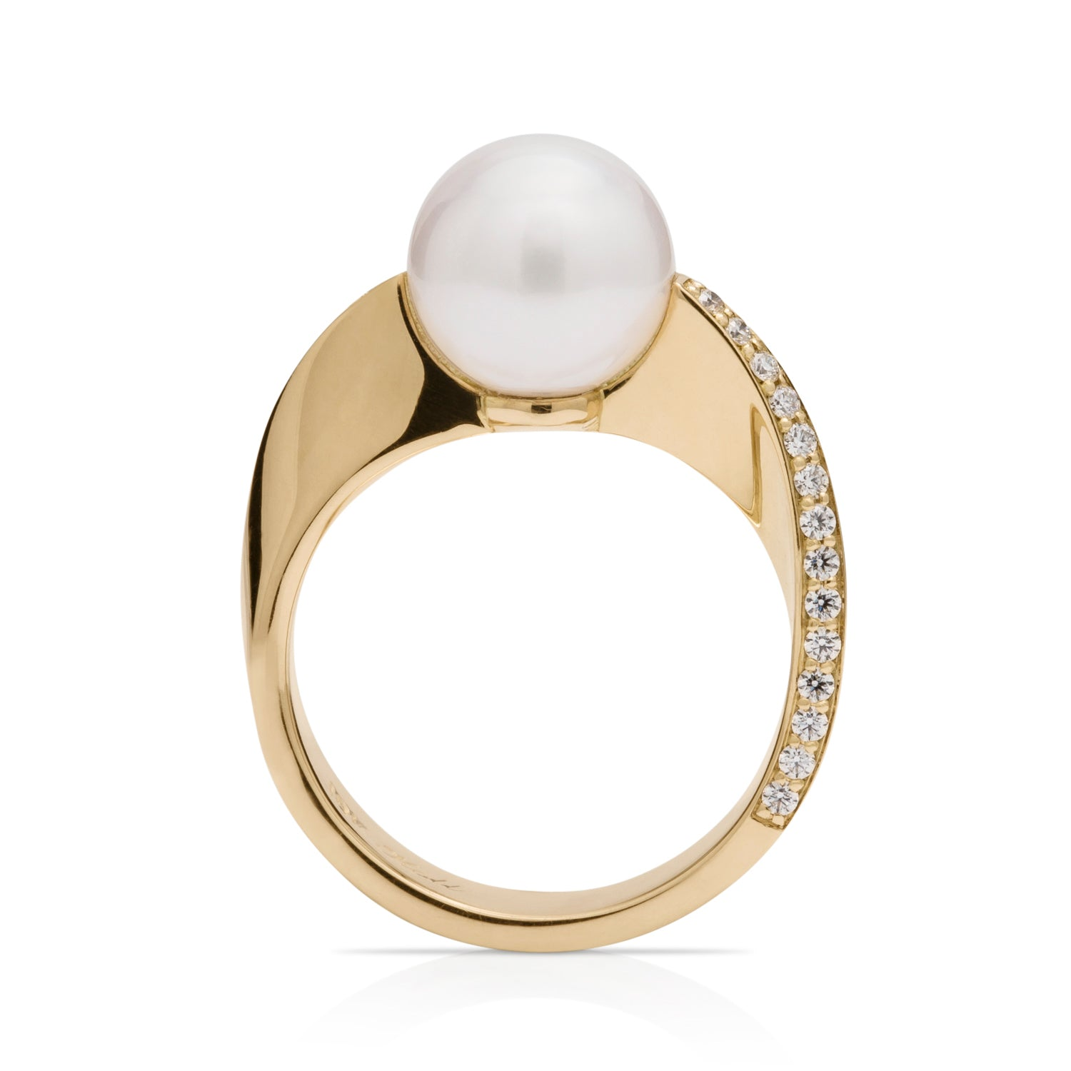 18K Gold Pearl and Diamond Ring