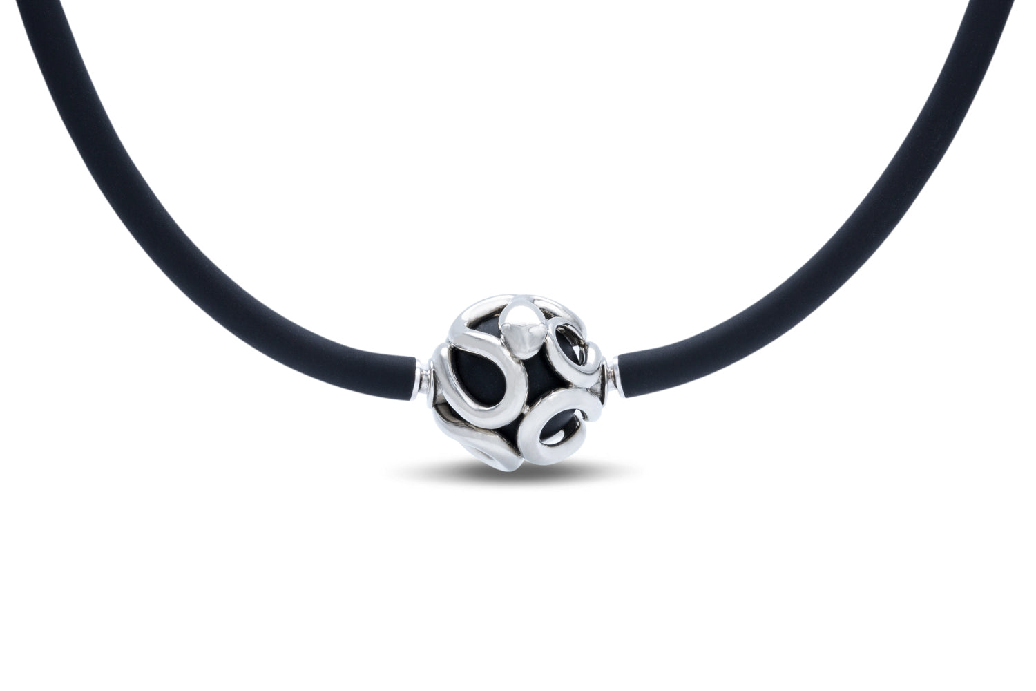 White Gold and Onyx Round Heinz Clasp - Charles Koll Jewellers