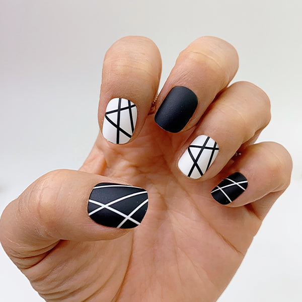 INSTANT GLAM- CRIS KROSS BLACK WHITE LINE - EXTRA SHORT OVAL PRESS ON NAIL SET