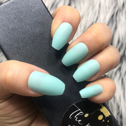 INSTANT GLAM- SOLID MATTE MINT COFFIN SET