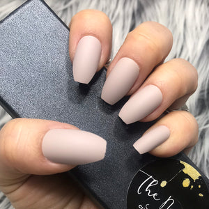 INSTANT GLAM- SOLID MATTE TAN COFFIN SET