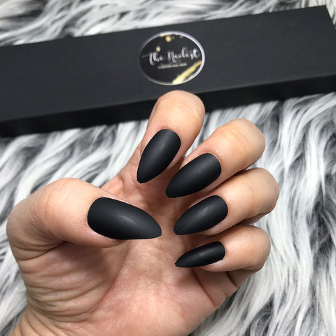 INSTANT GLAM-SOLID MATTE BLACK STILETTO SET