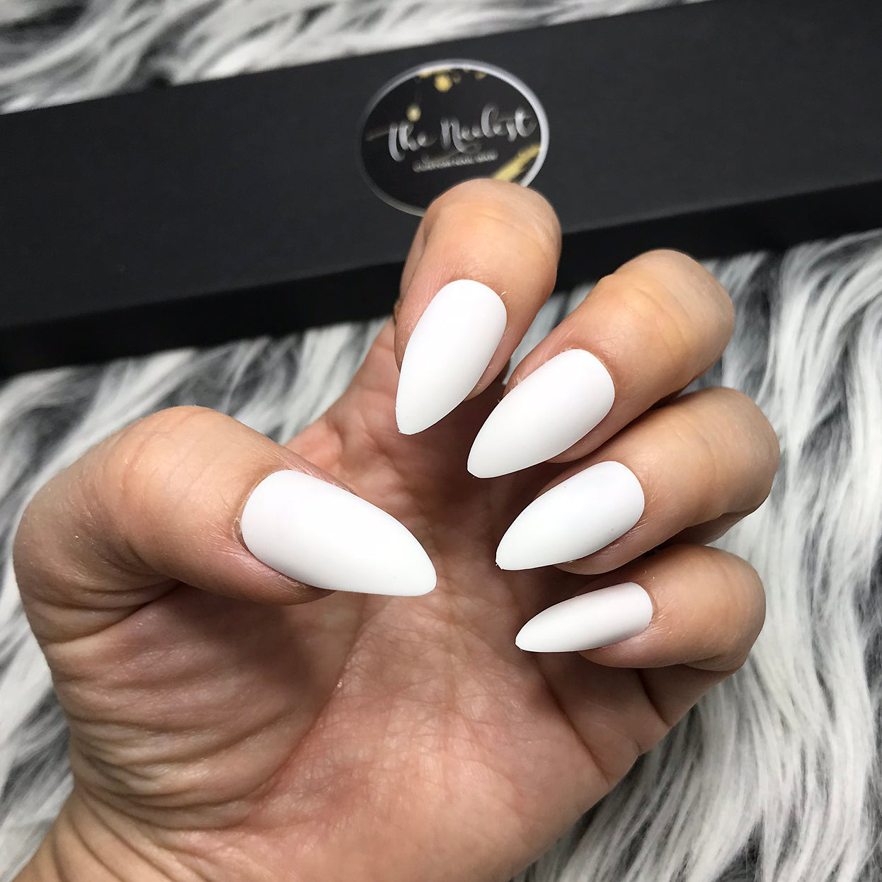 INSTANT GLAM-SOLID MATTE WHITE STILETTO SET