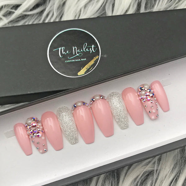 HANDMADE- GLOSSY PINKLADY PEARL PRESS ON NAIL SET