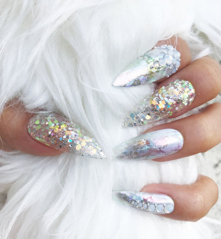 ICY SILVER HOLOGRAPHIC NAIL SET
