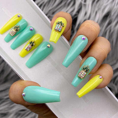 HANDMADE- PINEAPPLE EXPRESS CHARMING PRESS ON NAIL SET