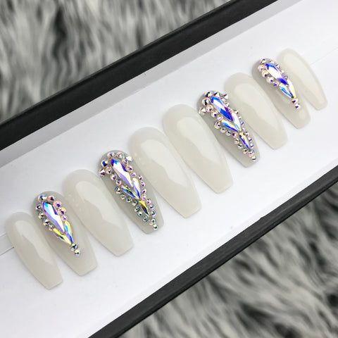 SHEER WHITE OPAL CRYSTAL PRESS ON NAILS SET