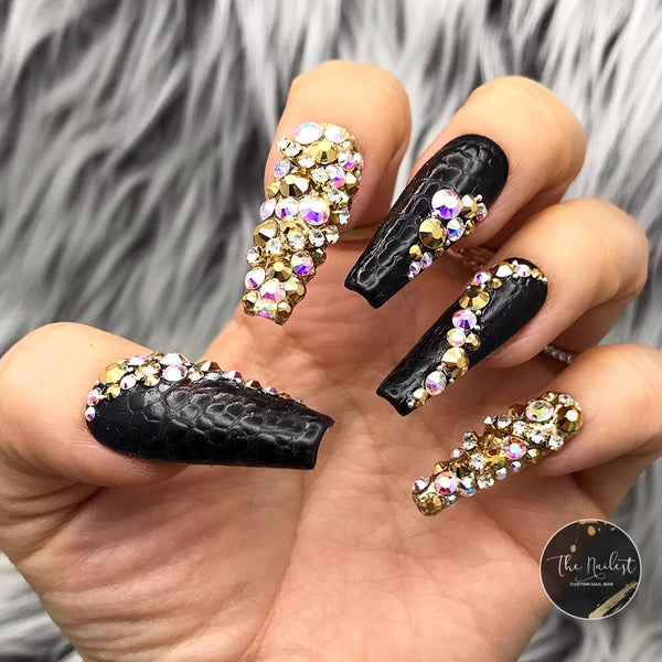 BLACK REPTILE LUXE CROCODILE PRESS ON NAIL SET