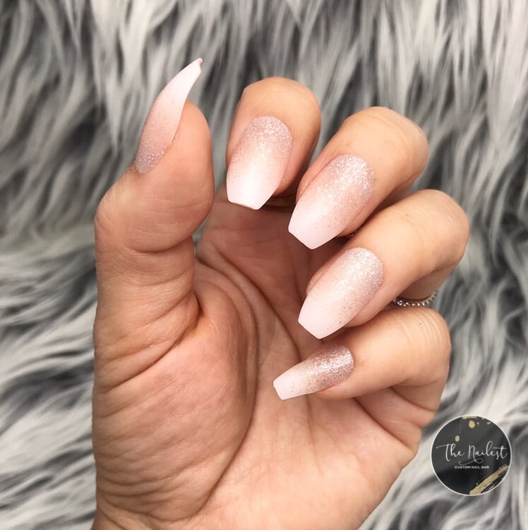 INSTANT GLAM- BABY-BOOMER NUDE W GLITTER OMBRÉ SET