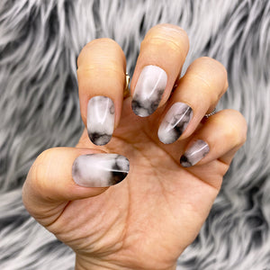 INSTANT GLAM- SMOKIN' GUN- WHITE BLACK MABLE SHORT OVAL PRESS ON NAIL SET