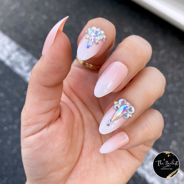 DAZZLE SOPHISTICATED OMBRÉ CRYSTAL ACCENT COFFIN NAIL SET