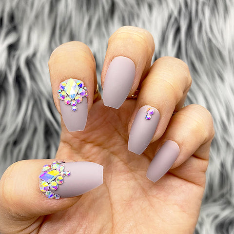 DAZZLE WINTER MAUVE CRYSTAL ACCENT COFFIN NAIL SET