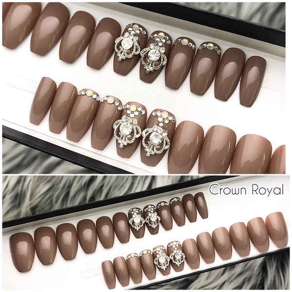 INSTANT GLAM- ROYAL CROWN- DARK NUDE W CRYSTALS PRESS ON SET