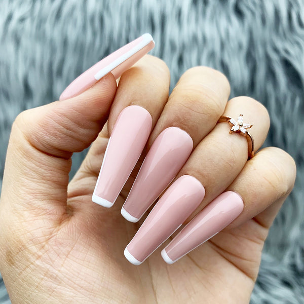 HANDMADE- WHITE TIPPED PRESS ON NAILS SET