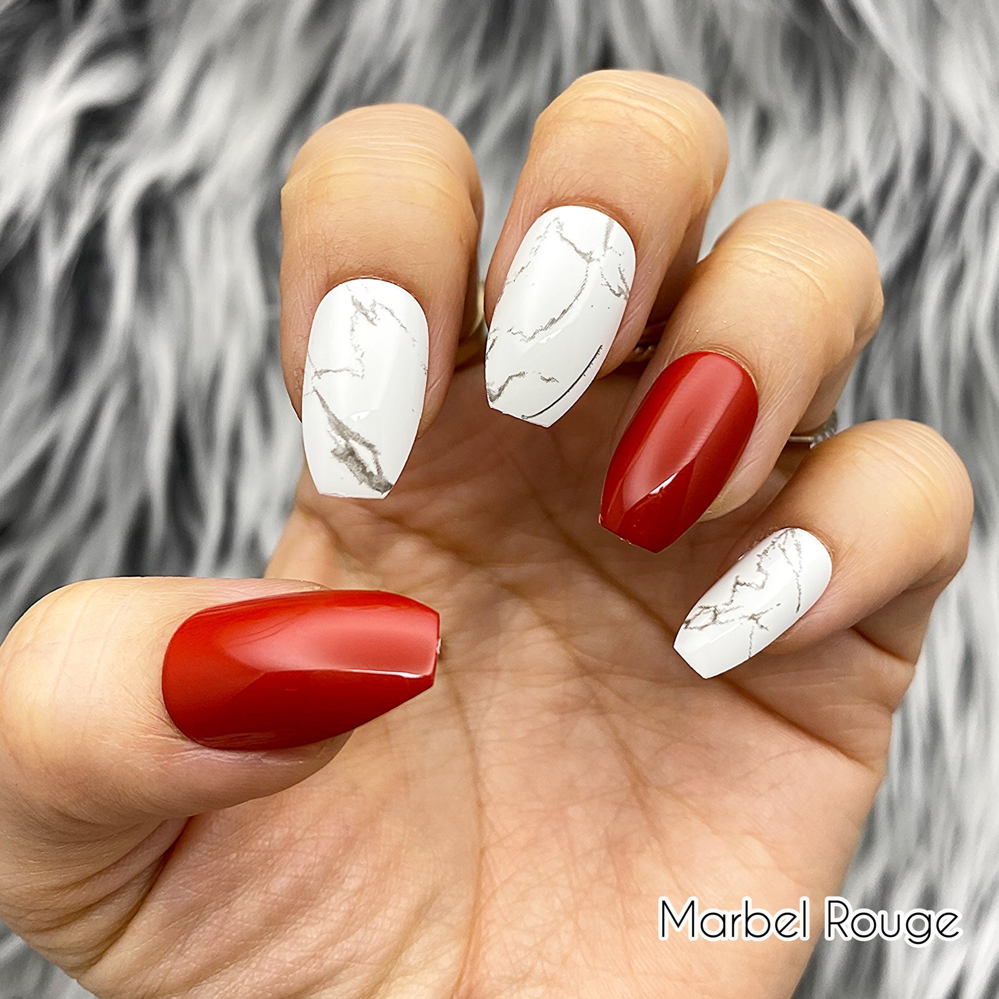 INSTANT GLAM- MARBLE ROUGE - WHITE MARBLE W RED PRESS ON SET