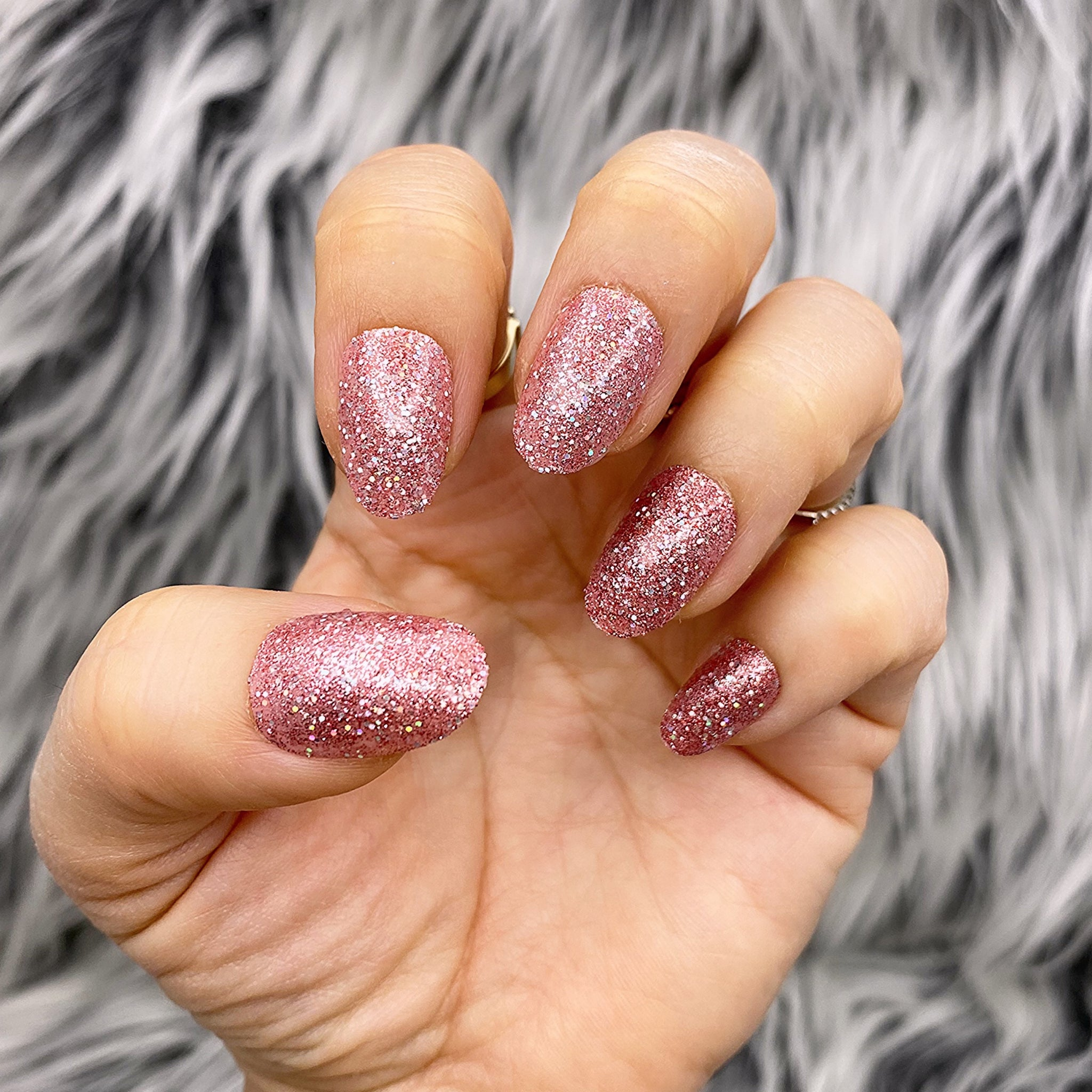 INSTANT GLAM- ROSE GLEAM - ROSE GOLD GLITTER SHORT OVAL PRESS ON NAIL SET