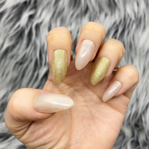 INSTANT GLAM- SOLID GOLDING SPARKLE NUDE PRESS ON NAIL SET