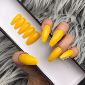HANDMADE- GOLDEN GIRLFRIEND PREMIUM QUALITY SOLID GLOSSY YELLOW