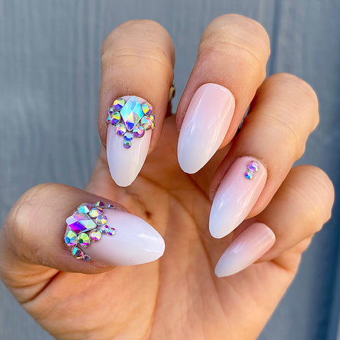 DAZZLE SOPHISTICATED OMBRÉ CRYSTAL ACCENT STILETTO NAIL SET