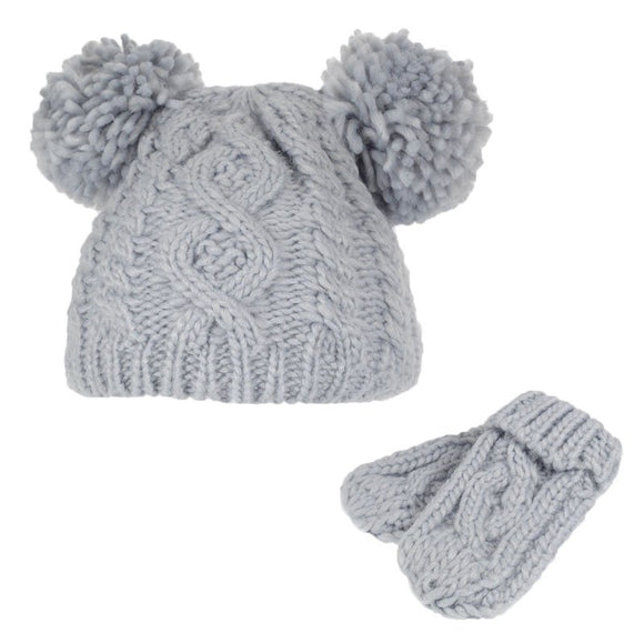 KNITTED WHITE POM POM WINTER HATS 0-12months