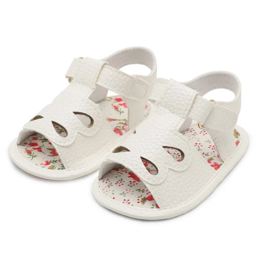 Scallop leatherette summer sandals white