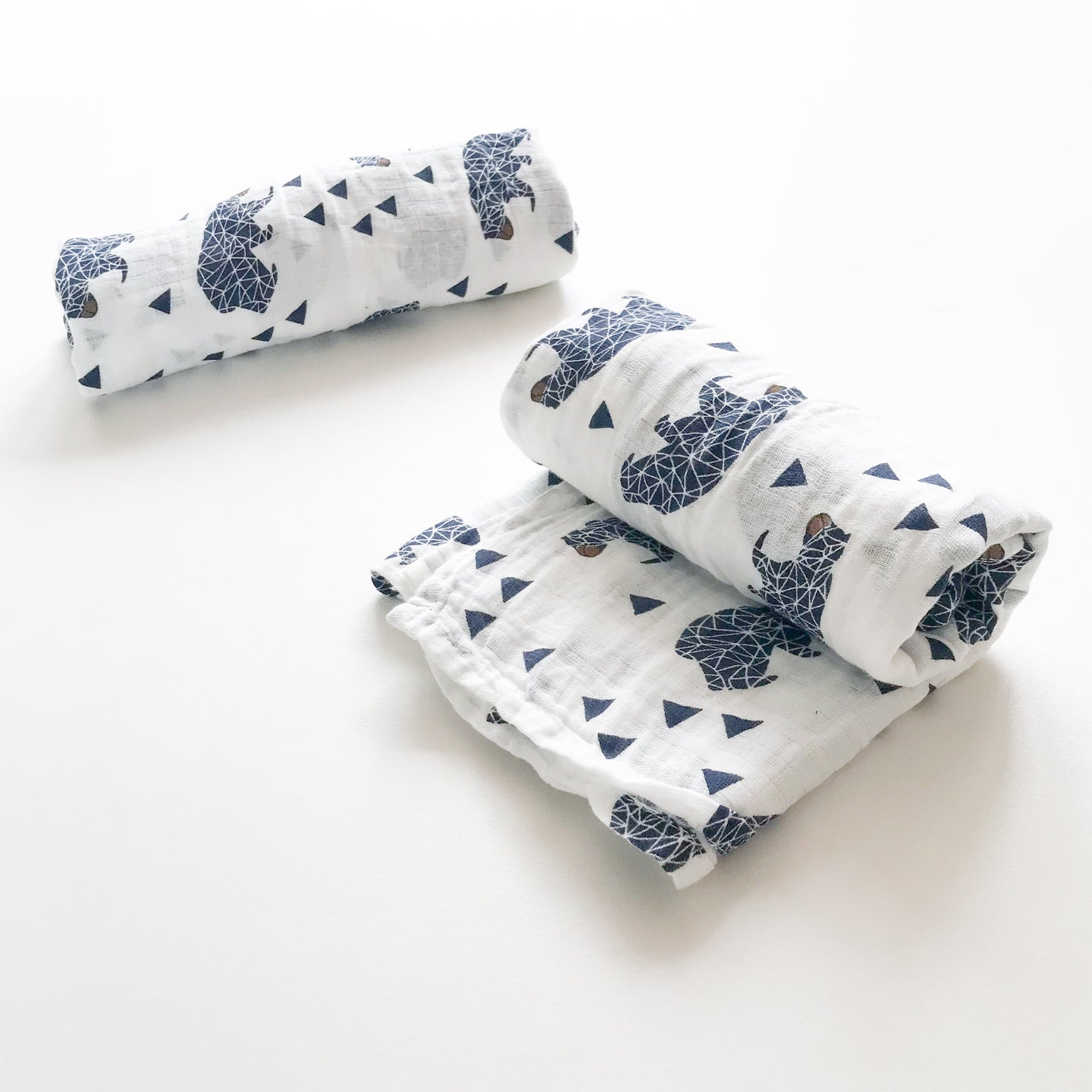Extra large 120x120cm 100% cotton muslin geometric bear and triangle swaddle blankets