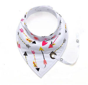 Bright arrows fleece-lined cotton dribble bib with soother holder