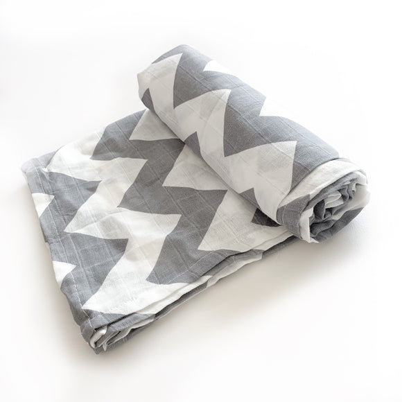 Extra large 120x120cm 100% bamboo cotton muslin chevron swaddle blankets