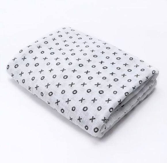 Large 110cm hugs and kisses muslin monochrome swaddle blanket
