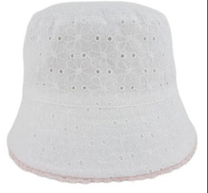 Girls Broderie Anglasie hat - white (sizes 6 to 18 months)