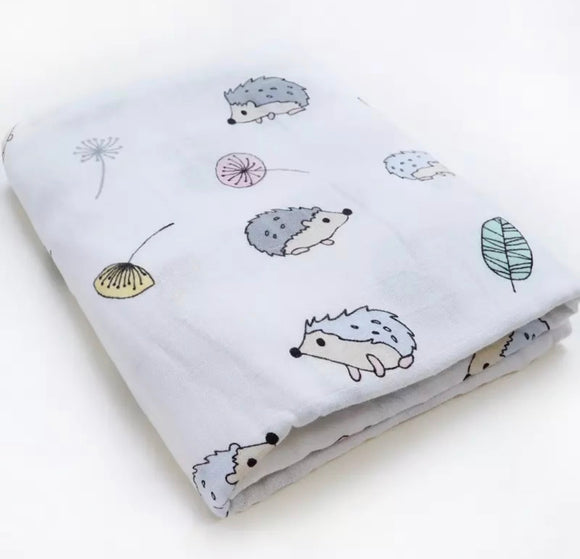 Extra large 120x120cm 100% cotton muslin hedgehog swaddle blankets