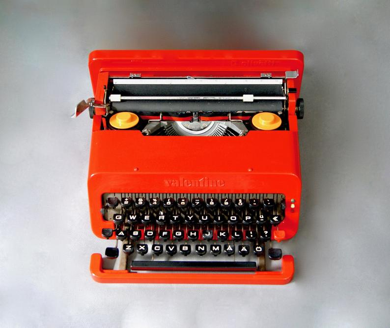 1st Edition 1960s Olivetti Red VALENTINE Typewriter by Ettore Sottsass In Original Case