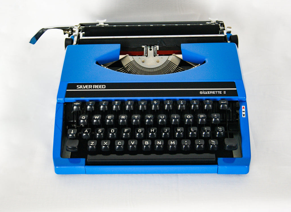 SILVER REED Silverette II, 1970s Portable Travel Typewriter With Manual Mint Condition