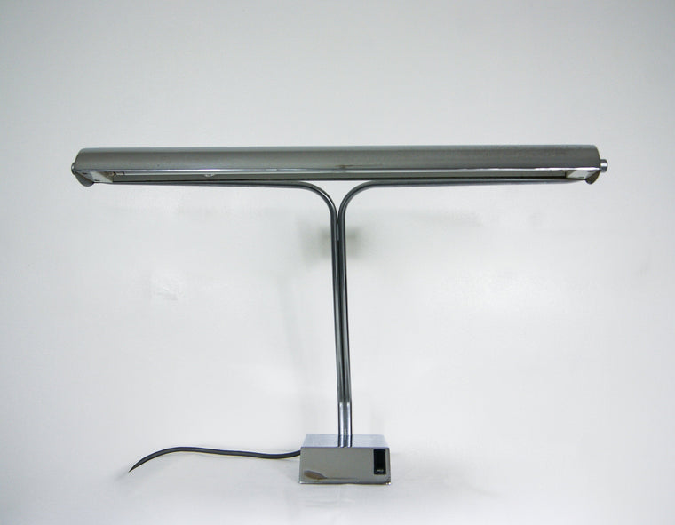Elegant Art Deco Revival Bankers Desk Lamp in Chrome and Fluorescent