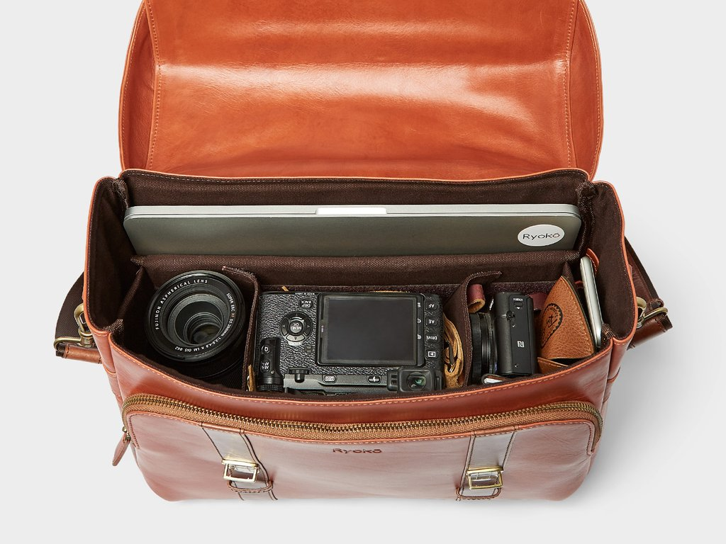 CLEVELAND Travel/Camera Bag