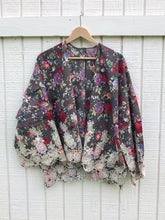 Load image into Gallery viewer, Floral and Lace Kimono