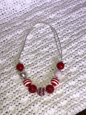 Adjustable red and white girl's necklace