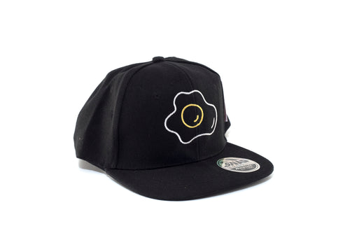 ägg yolk trucker hat Södermalm sunny side sunny summer stockholm snapback snap back skater pure class pro novelty keps joke hatt hat greasy spoon greasy gift funny fun fried egg egg cotton coffee cap brunch breakfast black bacon