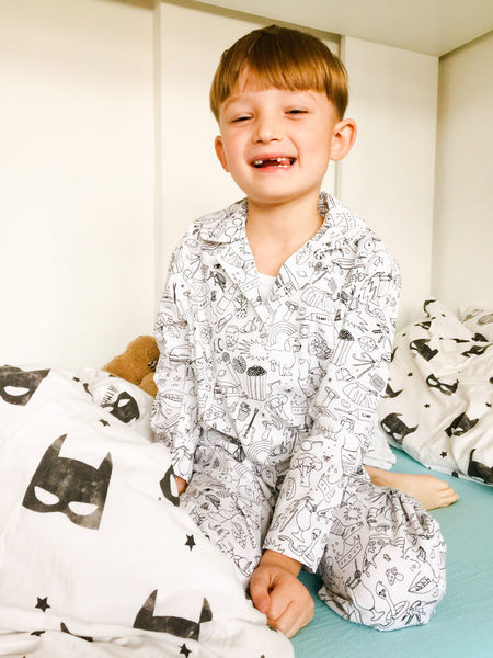 WHITE AND BLACK GRAPHIC UNISEX COLOUR-IN COTTON PYJAMA WITH TEXTILE MARKERS