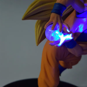 Figurine Dragon Ball Z - Son Goku Kamehameha Led Light 15CM